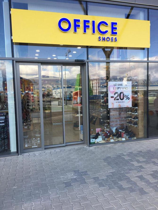 Liptovský Mikuláš - Retail Park Liptovský Mikuláš obchod - Topánky ... c845dda401b